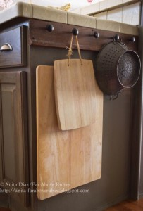 Hanging cutting board